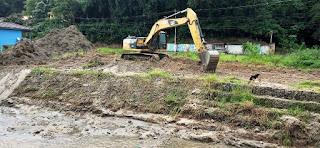 Dragagem de trecho do Rio Príncipe, o primeiro a ser atendido pelo 'Limpa Rio'
