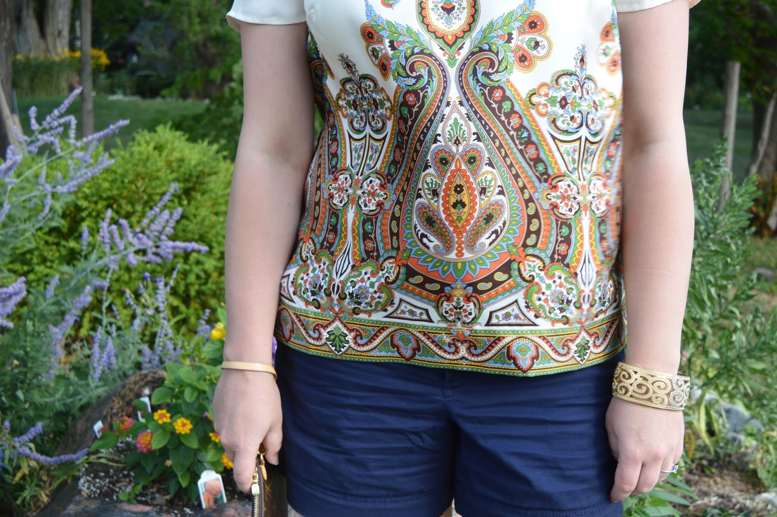 navy and brown summer outfit