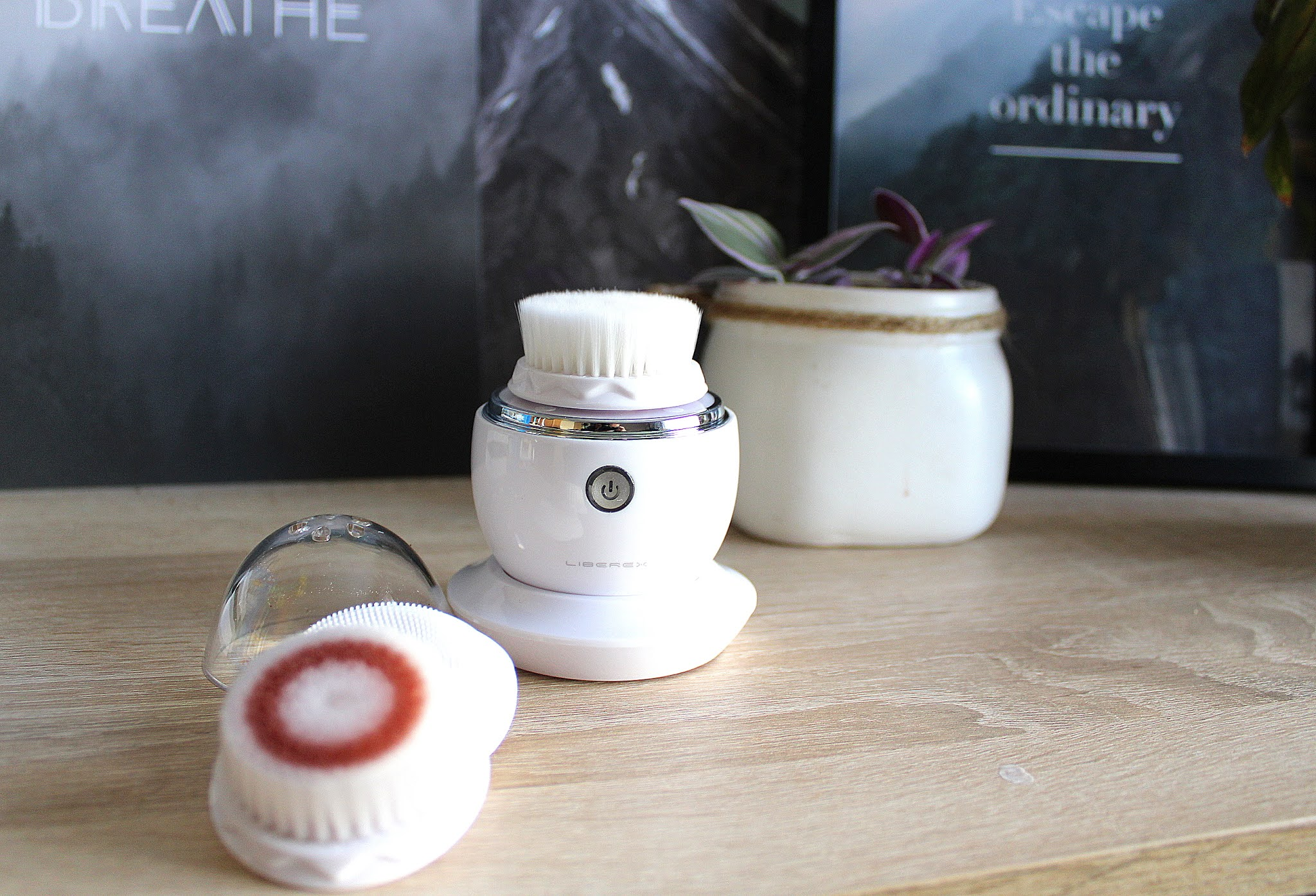 Szczoteczka do czyszczenia twarzy Liberex Egg