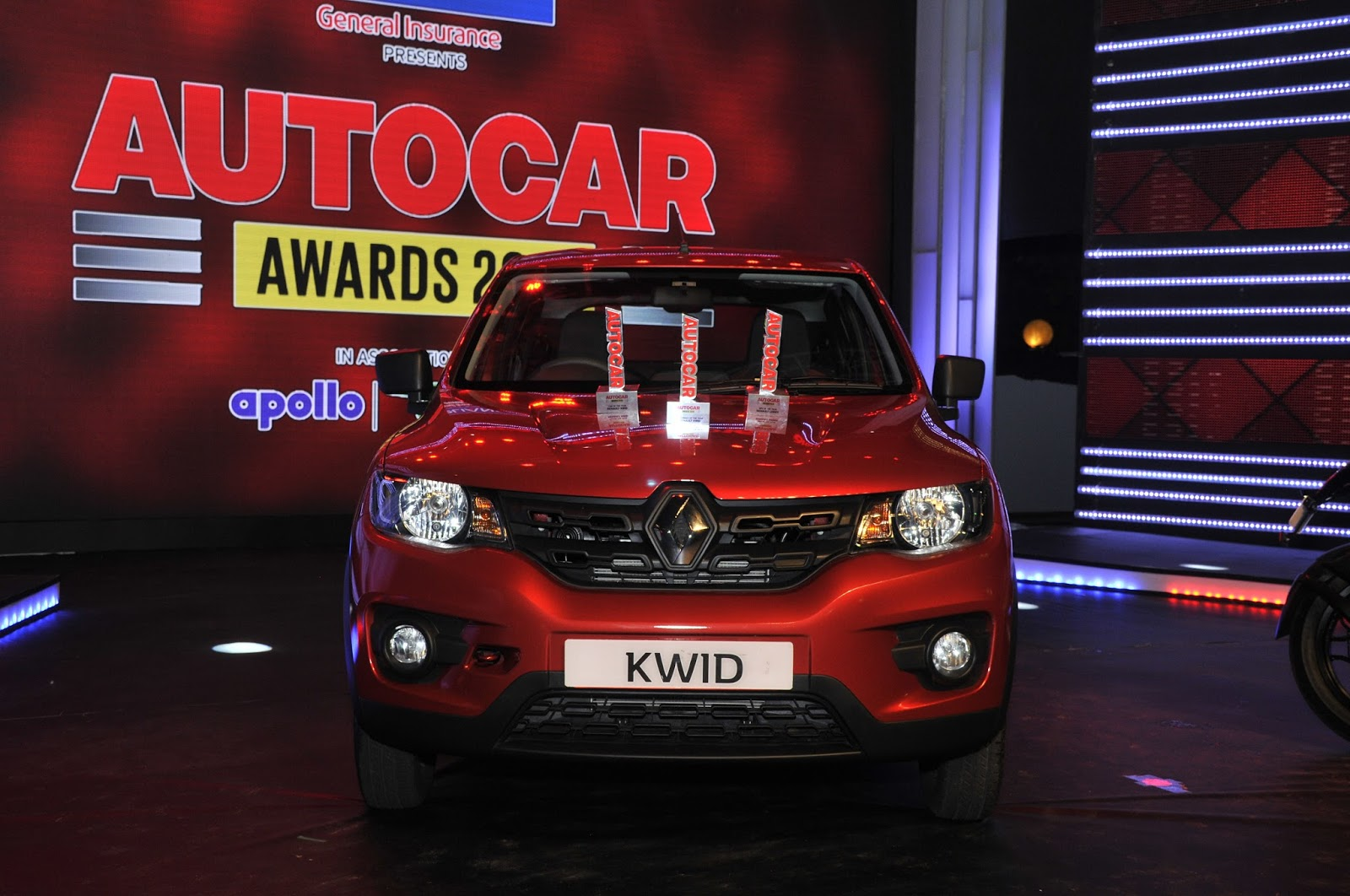 renault kwid car of the year at autocar india 2016 | impress news