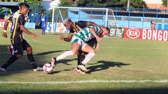 VEJA OS GOLS: Altos vence por 03 x 0 o Volta redonda (RJ) com o Guadalupense Emerson Jr em campo