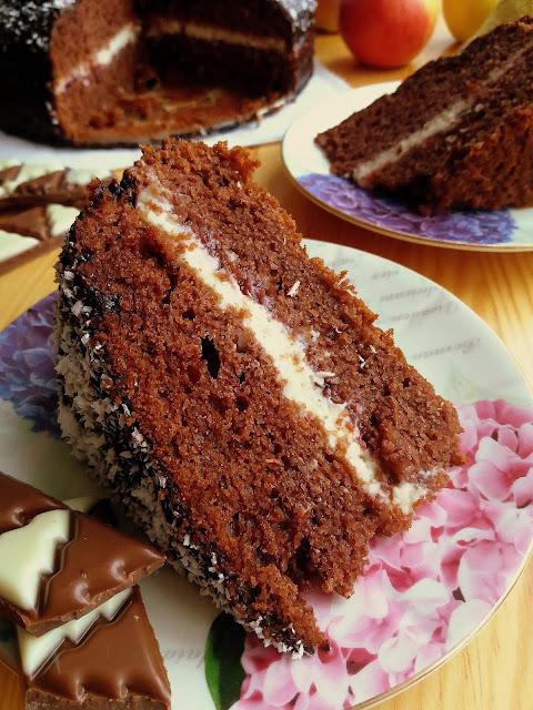 Czekoladowe ciasto z budyniem / Chocolate Cake with Pudding Filling
