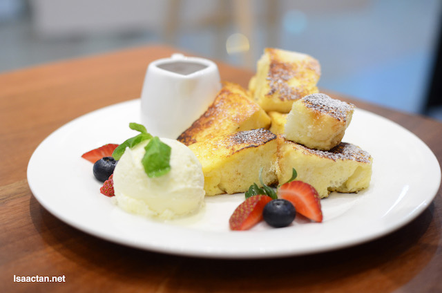 Strawberry French Toast - RM15.90