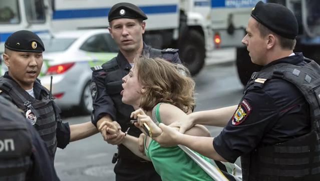 Полиция считает себя привилегированной «кастой», которое позволено больше, чем другим