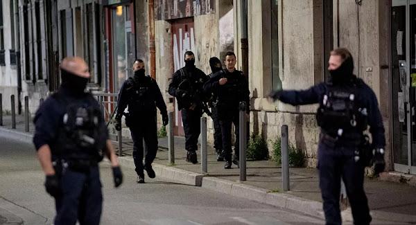 «Un gentil garçon»: la mère du tueur présumé du policier à Avignon s'en prend aux autorités