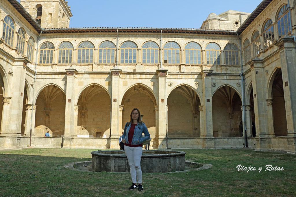 Claustro viejo del Monasterio de Irache