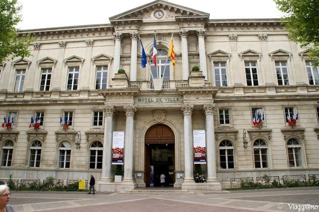 Il Municipio di Avignone si trova in Place de l'Horloge