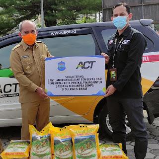 Peduli Bencana, Walikota Pangkalpinang serahkan 1 Ton Beras ke ACT Babel