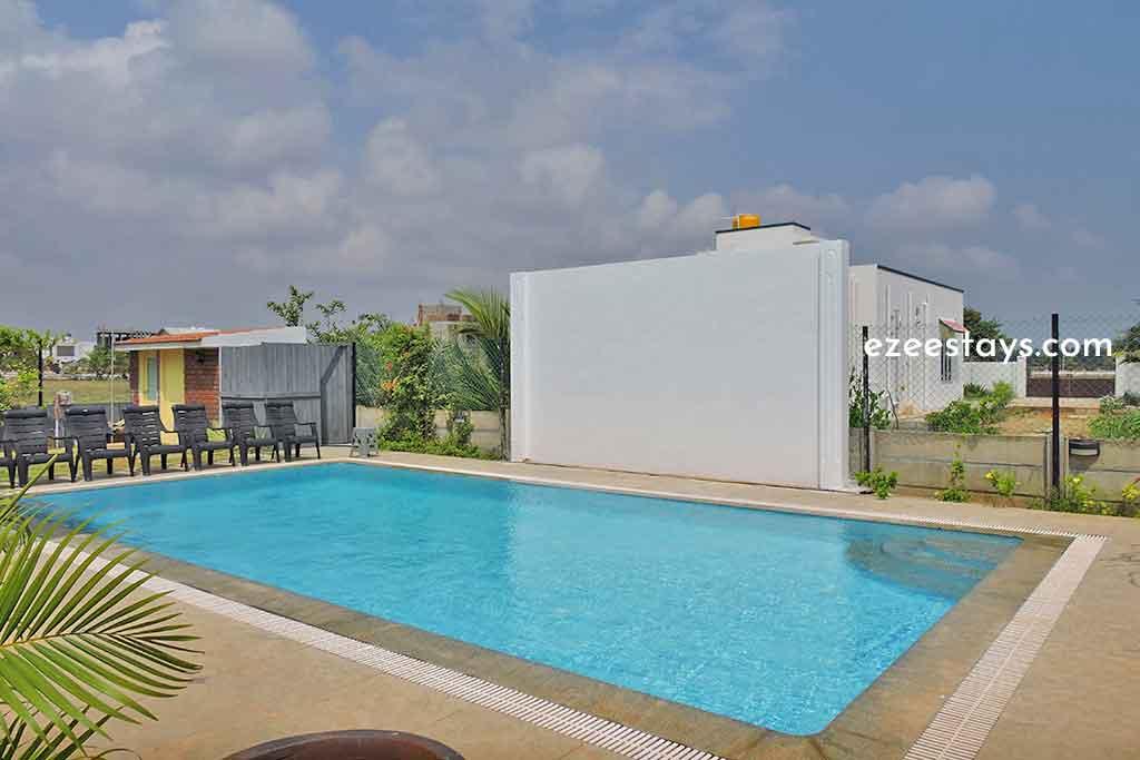 light house beach house ecr for rent