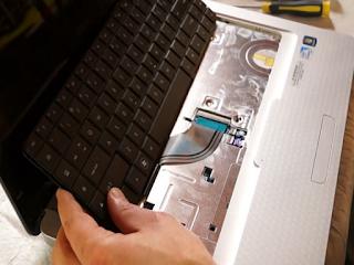 tempat servis laptop denpasar