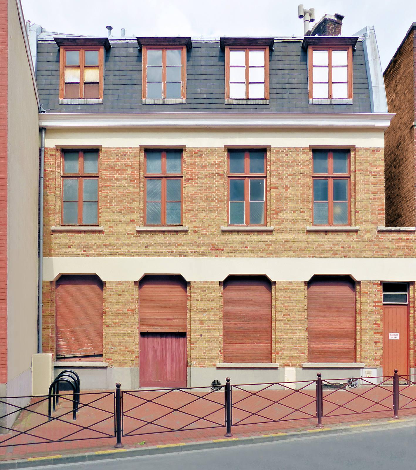 Maison rue des Anges, Tourcoing - Bâtiment annexe de l'École primaire CNDI