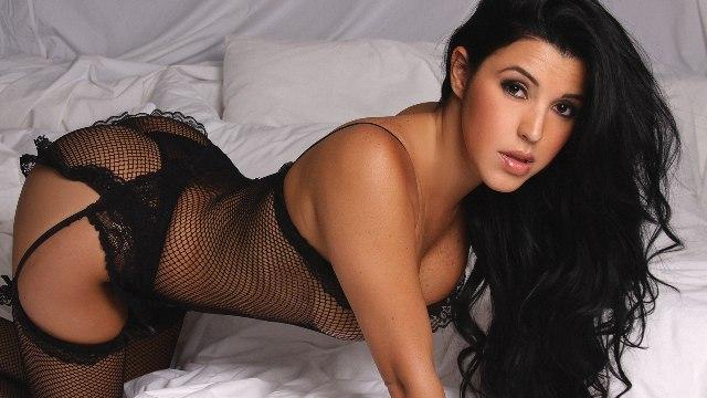 Jimena Araya calentó Instagram en ropa íntima