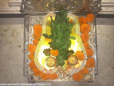 Ghorakashtoddharan Stotra, Anasuya, Shraddhavan, Paduka poojan, feet, charan, Dattatrey, Dattaguru, stotra, Narsobachi wadi,  Gurupournima, Aniruddha Bapu, Dr. Aniruddha Joshi, Aniruddha Joshi, Aniruddha, Bapu, Sadguru Aniruddha, Aniruddha Bapu Pravachan, faith, teachings, prayer, Lord, devotion, Utsav, Guru, Sir, Dad, Pravachan, God, prayer, Lord, devotion, faith, teachings, Bapu, Aniruddha Bapu, Sadguru, discourse, भक्ती, बापू, अनिरुद्ध बापू, अनिरुद्ध, भगवान , Aniruddha Joshi, Sadguru Aniruddha, Aniruddha Joshi Bapu, Aniruddha Bapu Pravachans