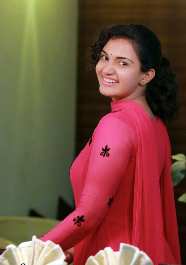 Malayalam hot actress Honey rose