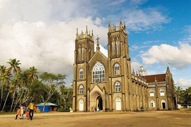 10 Famous Churches in Kerala