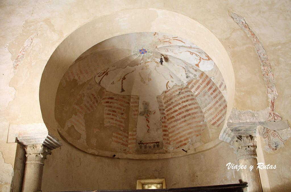Cúpula del altar de la iglesia de Peñalba de Santiago, León