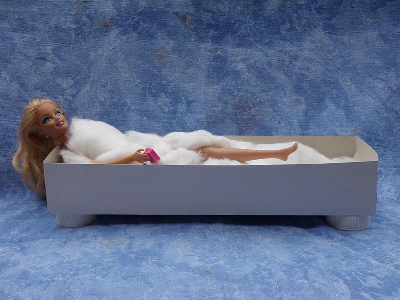 Unconventional mom una vasca da bagno per barbie - Come sbiancare la vasca da bagno ...