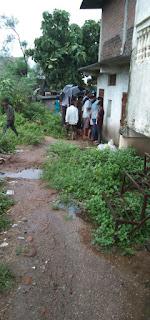 झमाझम बारिश के बीच चोरों ने बोला धावा, जेवरात सहित नगदी रुपए ले उड़े