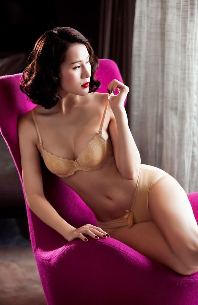 Bộ ảnh nội y cực sexy của người đẹp Thái Hà