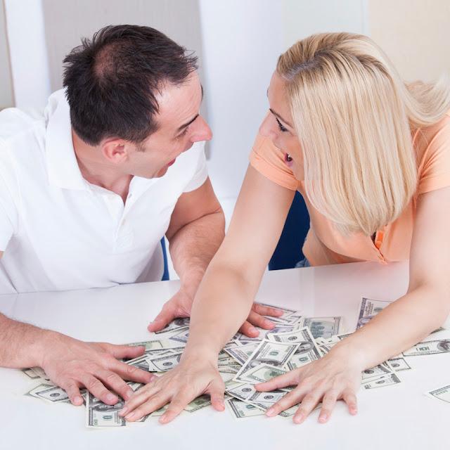 Муж и жена обманули интернет-магазин на 70 миллионов рублей