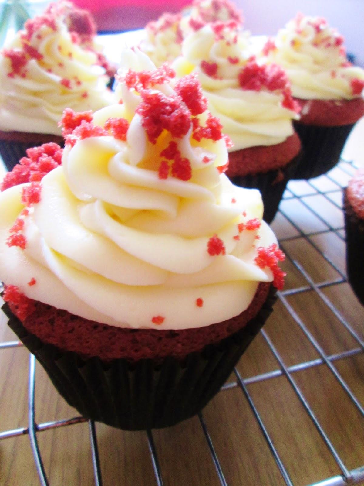 themessykitchenuk.blogspot.co.uk/2014/03/red-velvet-cupcakes.html