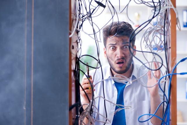 bekabeling, netwerk, warboel, oplossing, spiraalkabels, labels