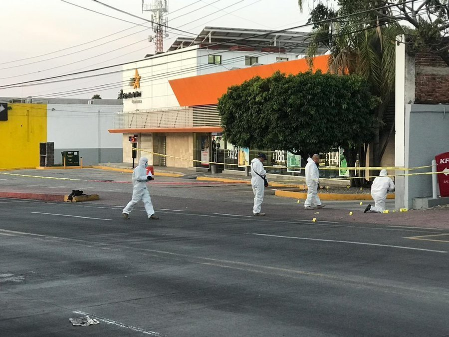 """Sicarios matan a 5 personas en terminal de autobuses """"Estrella de Oro"""" en Cuernavaca"""