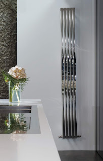 Twister vertical feature radiator