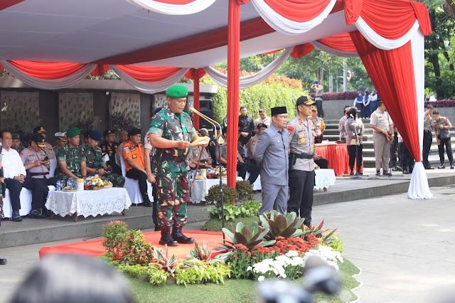 Pangdam III/Siliwangi Pimpin Apel Gelar Pasukan Operasi Lilin Lodaya 2019