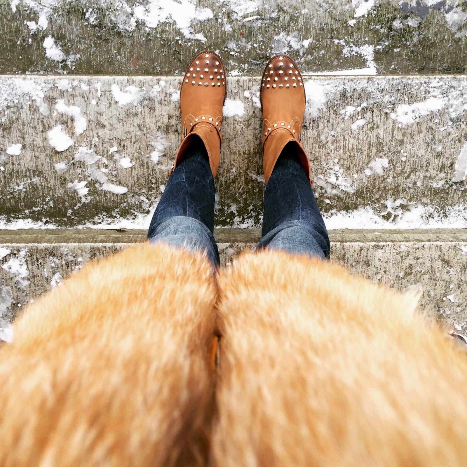 chiara-ferragni-ankle-boots-fox-fur-coat