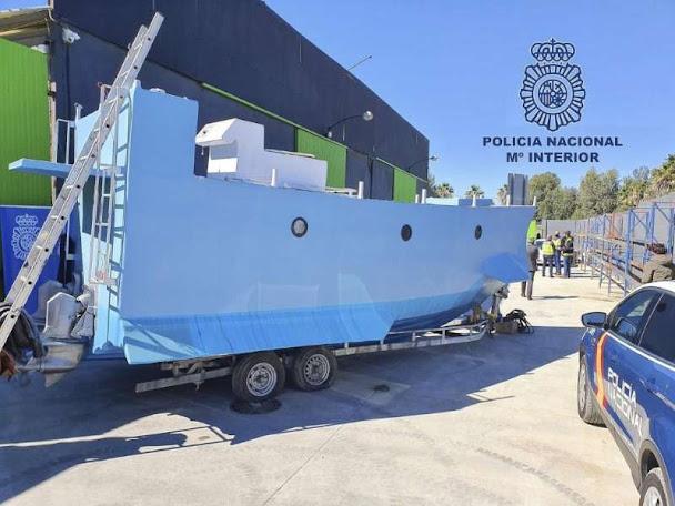 """Spagna: sequestrato sommergibile per """"narcos"""""""
