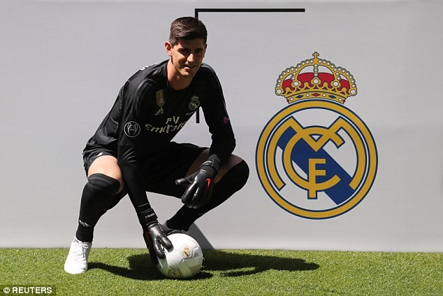 Real Madrid unveils Thibaut Courtois after sealing £35m move from Chelsea (Photos)