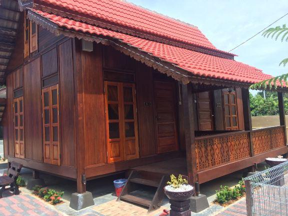 rumah kayu loteng