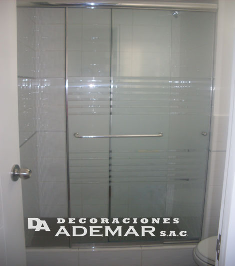 Laminas De Aluminio Para Puertas De Baño:,puertas de duchas,puertas de tinas en vidrio templado: PUERTAS DE