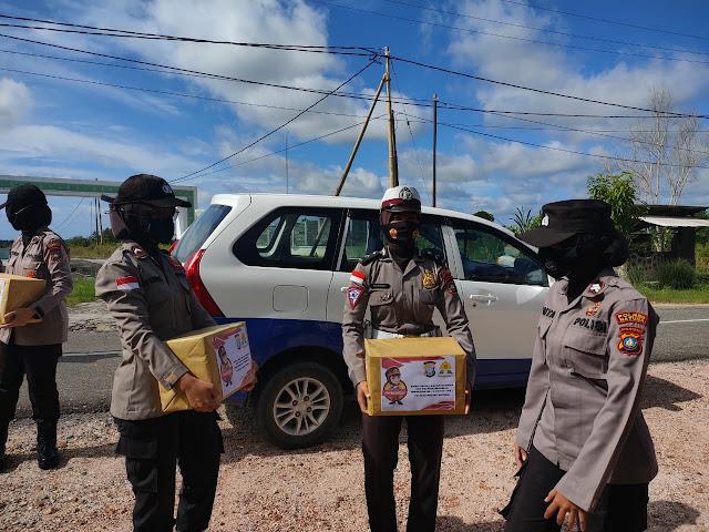 Polwan Polres Natuna Berikan Bantuan kepada Warga Tidak Mampu di Puak Kelurahan Ranai