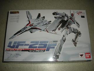 Valkyrie VF 25F Alto Saotome custom 1/60 V2 Bandai Macross Frontier Robotech