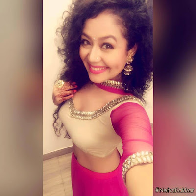 Neha Kakkar new selfi hot images