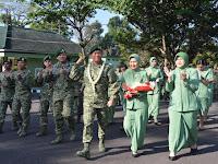 Jabat Pangdivif 2 Kostrad Baru Mayjen TNI Agus Suhardi Ikuti Tradisi Penerimaan