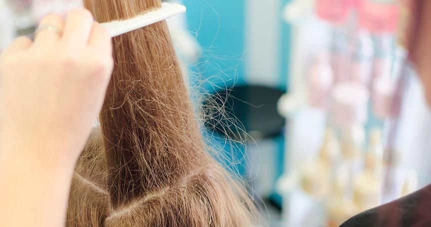 Cara Merawat Rambut Kering Kusam, Rontok, Dan Mengembang