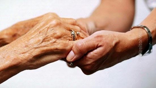 stf veda extensao auxilio acompanhante aposentadorias