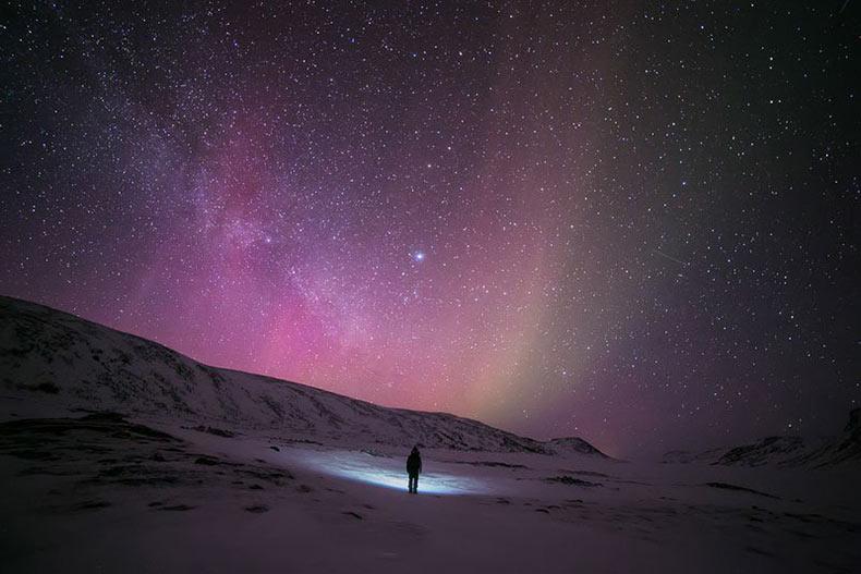 Impresionantes autorretratos de un solitario trotamundos el Ártico
