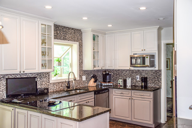 A kitchen renovation constructed by Alco Products Company, Inc.