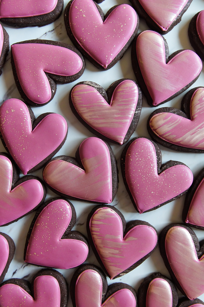 how to decorate cookies with rose gold