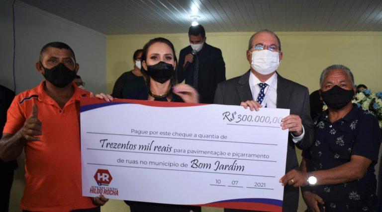 Hildo Rocha disponibiliza emenda para pavimentação em Bom Jardim