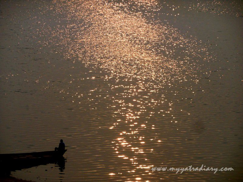 Morning glitter in the waters of the River Ganga at Prayagraj