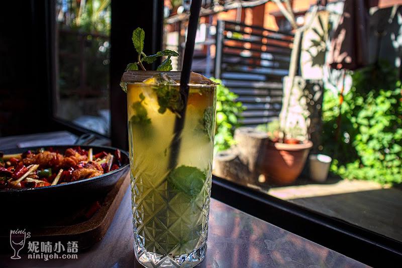 【大安區美食】紅皇后 川酒 · Red Queen Bistro。噴香!潮派川菜酒吧