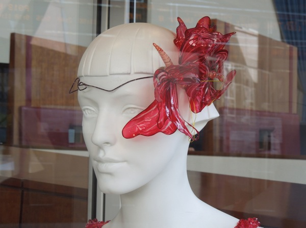 Red headdress Great Gatsby