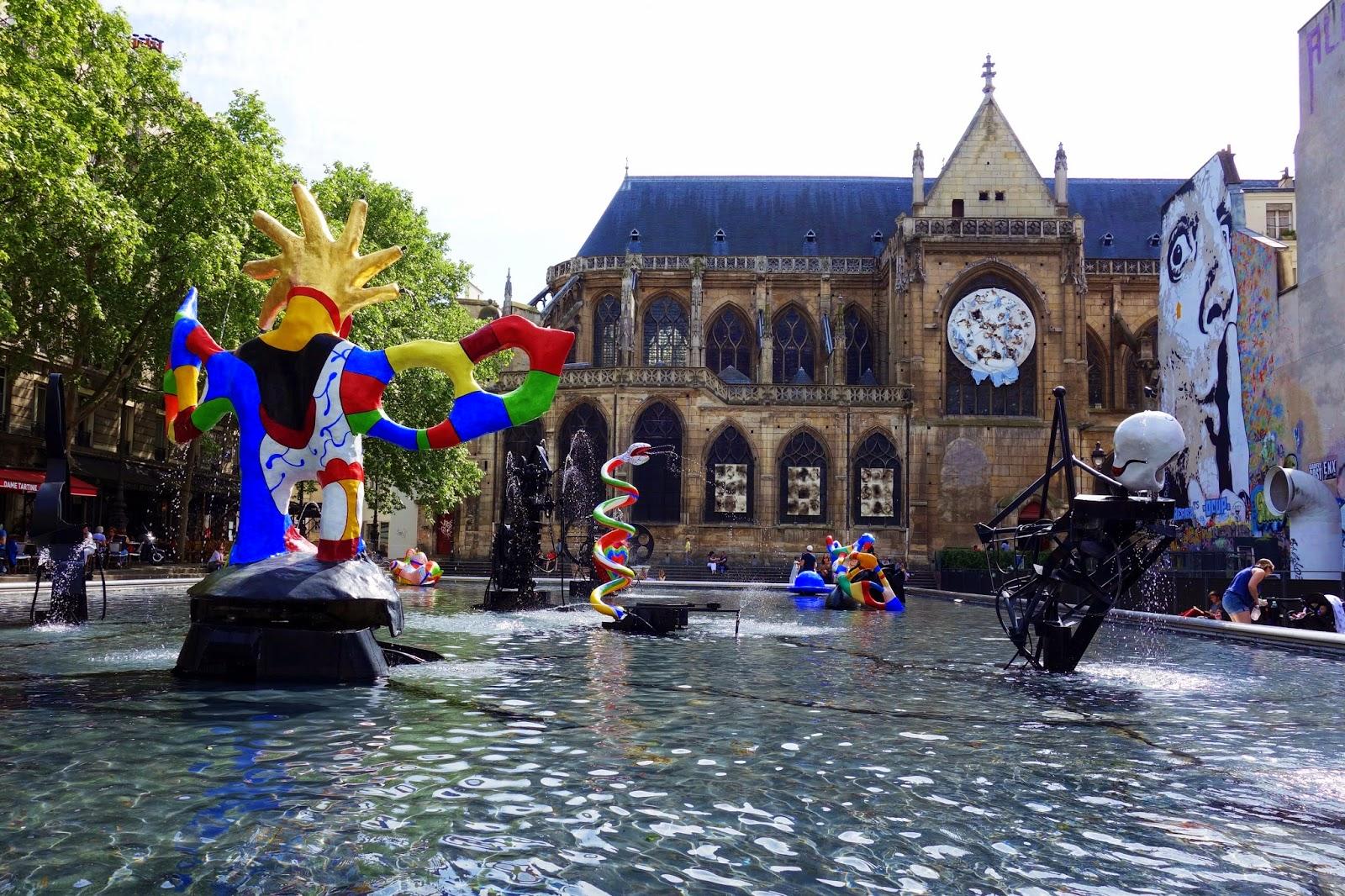 Paris fontaine stravinsky une sculpture fontaine de - Piscine jean boiteux paris ...