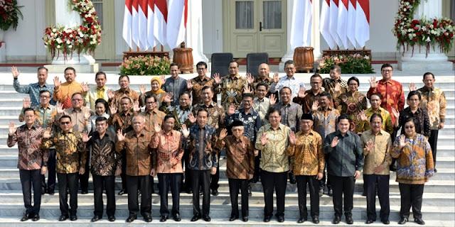Sudah Tak Puaskan Rakyat, Jokowi Disarankan Rombak Kabinet