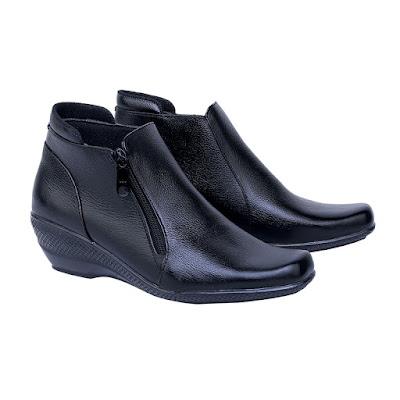 Sepatu Pantofel Boot Wanita Catenzo US 045